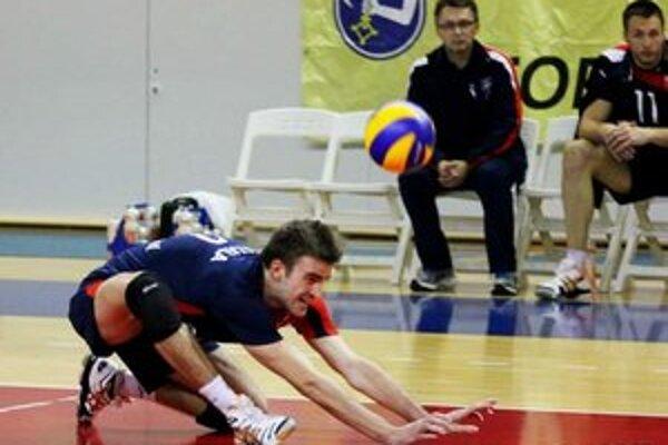 Na kolenách sa ocitli chemesáci v slovenskom derby...
