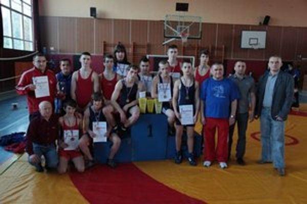 ZK Vihorlat Snina. Mladí zápasníci získali veľmi veľa úspechov.