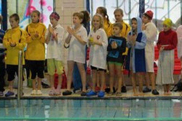 Najmladší plavci. Na podujatí Orca-čik 2012.