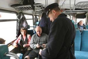Drahšie cestovné chceli železnice vyberať pôvodne od augusta.