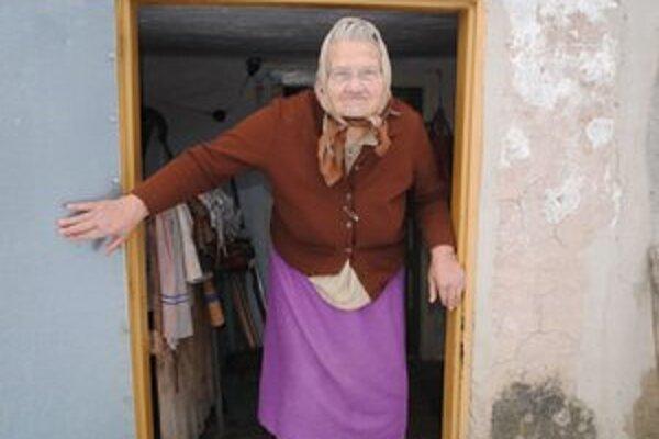 Anna Gurecká. Starenku lúpežne prepadol mladý muž zo Zemplínskych Hámrov.