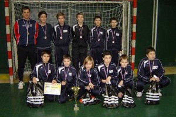 Humenská U-13. Turnajové zlato v Maďarsku a bronz v Prešove.