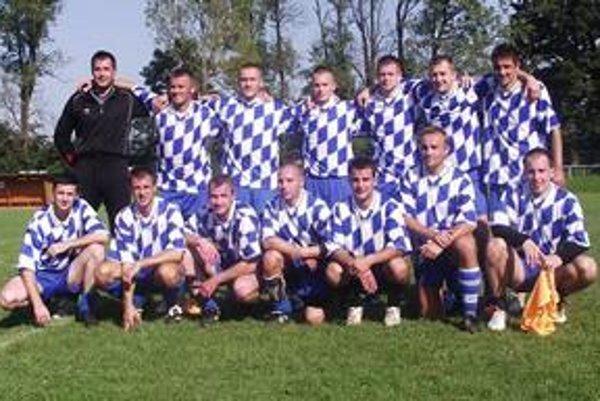 Víťazné družstvo. Turnaj vyhrali títo policajti z Popradu.