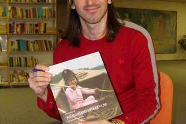 Michal strávil v Južnej Amerike 15 mesiacov. Vydal knihu s názvom Na juhoamerickej vlne, ktorú nájdete vo Vihorlatskej knižnici.