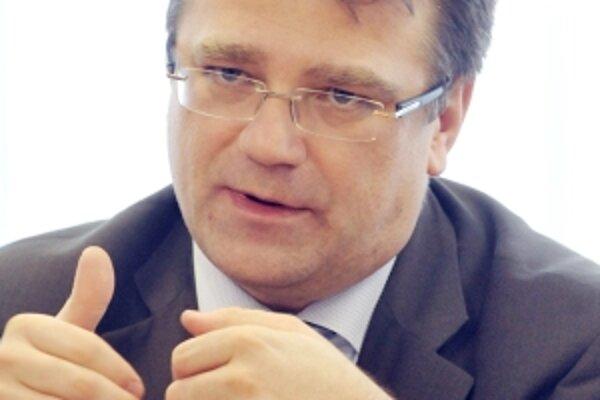 Ivan Uhliarik mal na záchranu štátnej zdravotnej poisťovne dni.