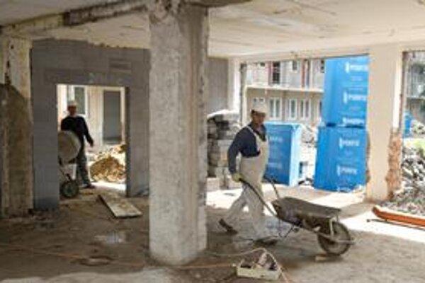 Ministerstvo práce navrhlo definíciu práce na riadny pomer, ktorej nerozumie ani ministerstvo dopravy.