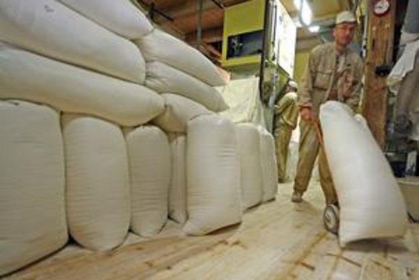 Zo štátneho obilia sa má vyrobiť múka a cestoviny. Menšie  mlyny  hovoria, že to je práca pre väčších.