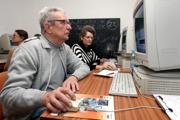 Seniori sa tiež vzdelávajú.