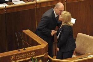 Sulík po telefonáte s Radičovou odvolal svojho zástupcu v teplárňach.