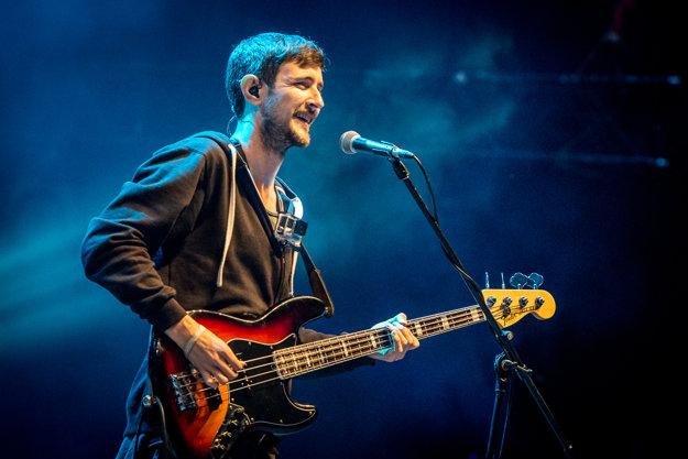 Basgitarista Jason Boland.