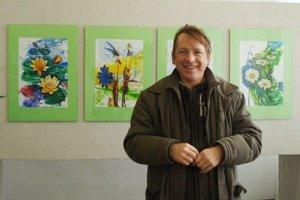 Ján Hlaváč. Vyštudovaný grafik, ale dlhé roky pôsobí aj ako výtvarník.