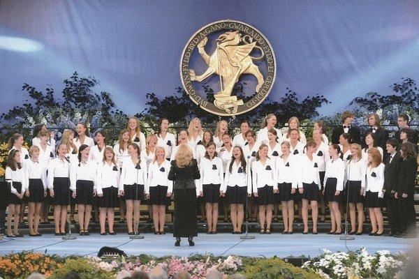 Detské spevácke zbory Pro Musica – Magnólia. Koncertovali v krajinách po celom svete.
