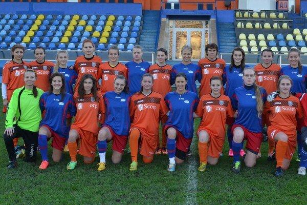 Prezimujú na najvyššej pozícii. Michalovčanky by rady zostali na prvej priečke aj po poslednom zápase sezóny.