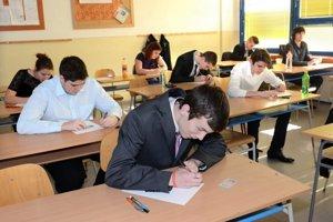 Cieľom stredoškolákov je maturita.