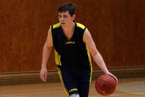 V poslednom zápase sa mu darilo. Vladislav Mitterpák zaznamenal proti Rožňave 26 bodov.