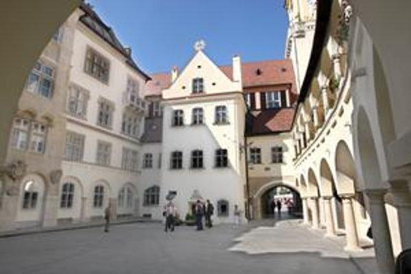 Na rekonštrukciu Starej radnice v Bratislave chýbajú peniaze.