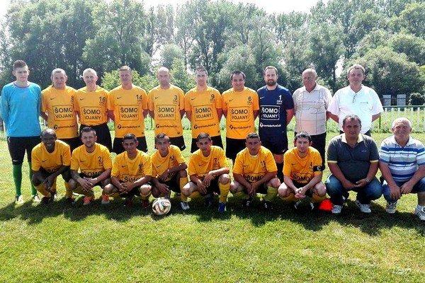 Mužstvo, ktoré prevalcovalo všetkých súperov vVII. lige Západ ObFZ Michalovce. Hráči OFK Vojany vyhrali všetkých 26 zápasov vsezóne 2015/16, svoju súťaž vyhrali s25-bodovým náskokom.