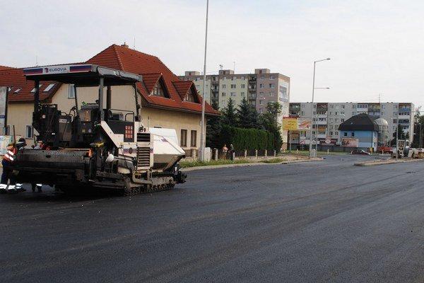 """Najväčší """"kruháč"""" v Michalovciach. Do dvoch týždňov budú sprejazdnené ťahy od Košíc, Sobraniec a od Humenného."""