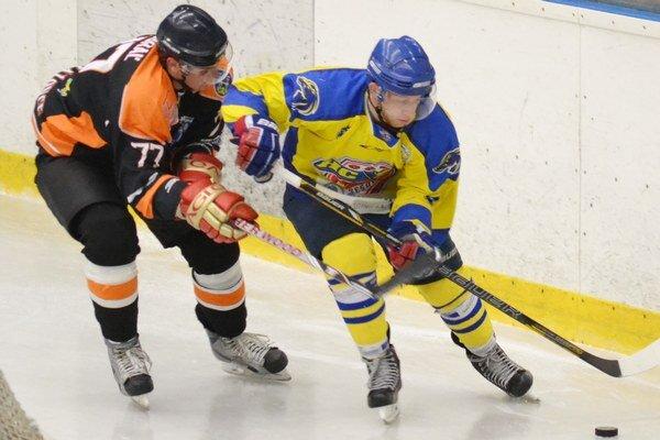 Vlani rivali, teraz spoluhráči. Ľubomír Buraľ (vľavo) a Igor Halás sú už v jednom tíme.