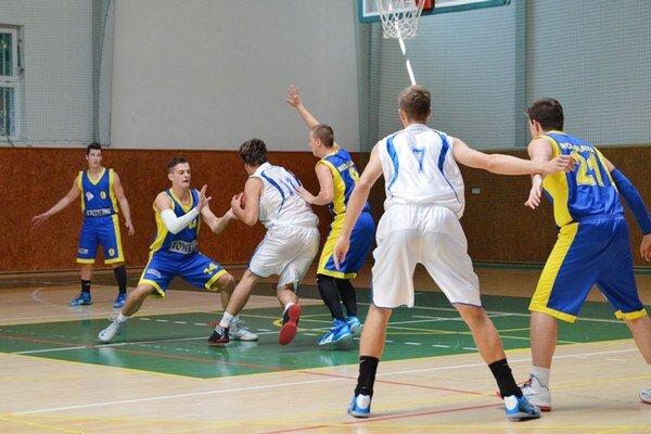 Premiéru absolvovali na domácom ihrisku. Juniori 1. BK Michalovce nestačili na Esprit Košice, ale na druhý deň zdolali Rožňavu.