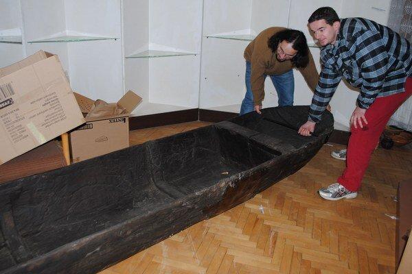 Zemplínske múzeum. Pred rekonštrukciou kaštieľa musia múzejníci rozobrať expozície a premiestniť tisícky zbierkových predmetov.