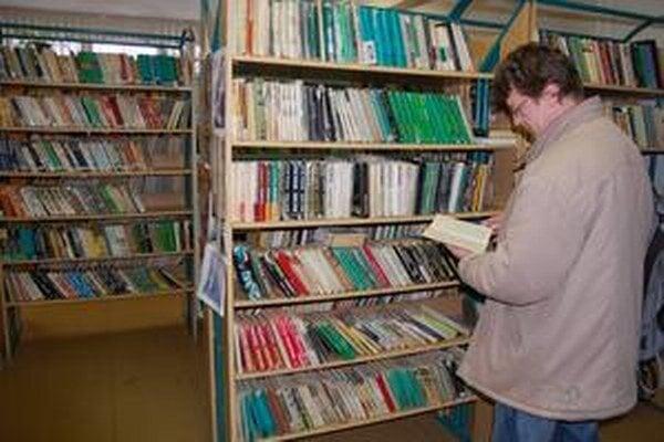 Knižnica slúži mestám Michalovce a Sobrance.