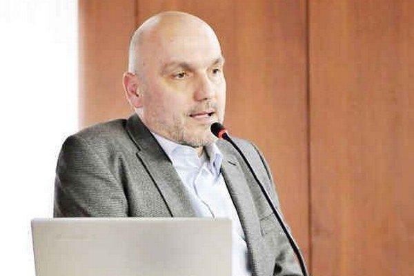 Richard Mašlanka. Zostáva šéfovať HK Mládež Michalovce.