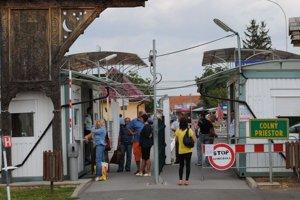 Veľké Slemence. Obyvatelia obce na slovensko–ukrajinskom pohraničí žijú zároveň na vonkajšej hranici schengenského priestoru a Európskej únie. Brusel podľa nich na okrajové obce Únie nezabúda.
