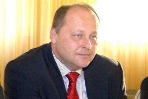 Elemér Jakab. Obáva sa zvýšenia nezamestnanosti po odstavení elektrárne.