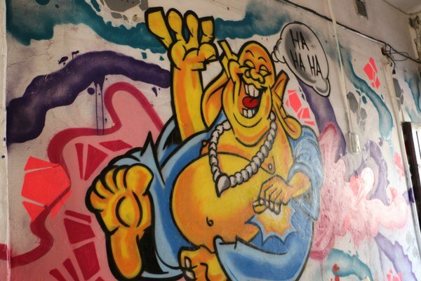 Podchod na Námestí osloboditeľov 80. Nová výzdoba v štýle street art a grafitov.
