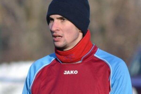 Predĺžili mu hosťovanie. Daniel Lörinc pokračuje vo Veľkom Horeši.