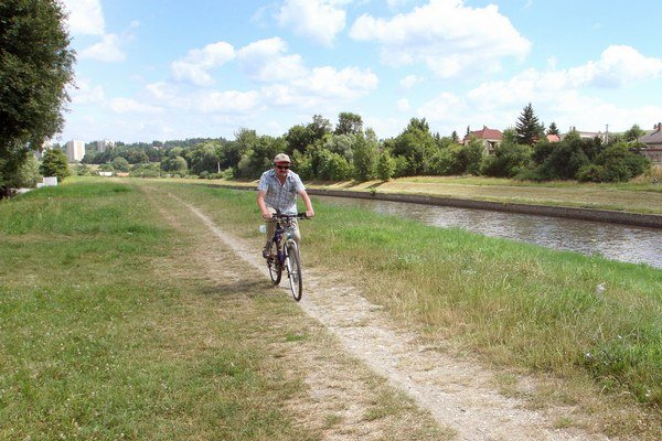 Cyklisti sa tešia každému novému kilometru cyklotrás.