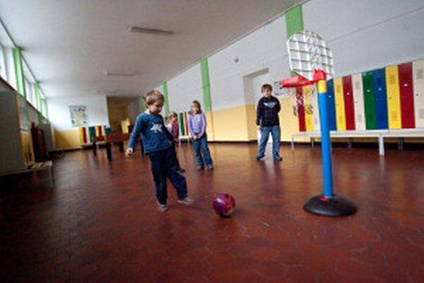 V školách je už pred prázdninami medzi žiakmi uvoľnená atmosféra.