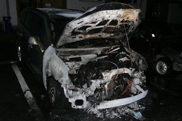 V Sobranciach opäť horeli autá.