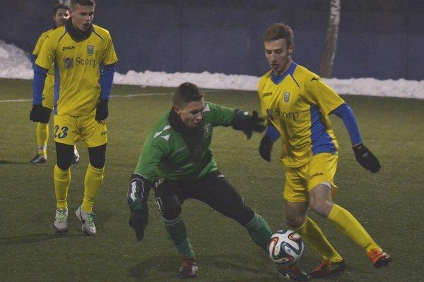 Uviedol sa gólom. Novic Pavel Čapek (vpravo) skóroval už v 3. minúte.