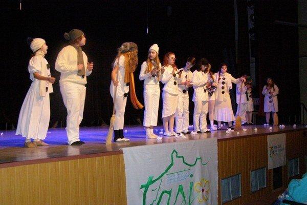 Zemplínska scénická jar. V Michalovciach sa pred pár dňami konala regionálna postupová súťažná prehliadka detskej dramatickej tvorivosti.