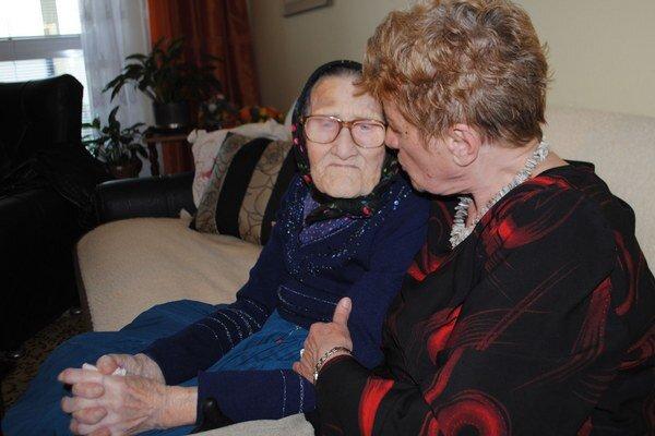 102-ročná Anna Drozdová. Narodila sa 6. apríla 1912.
