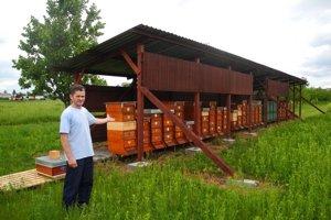 Na farmárskych rínkoch nechýbajú ani produkty miestnych včelárov.