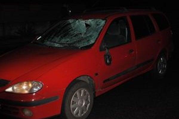 Policajtka zrazila chodca na priechode súkromným autom. Nehodu vyšetruje inšpekcia ministerstva vnútra.