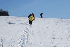 Výstup na Paprtný vrch. Turisti boli s výletom spokojní.