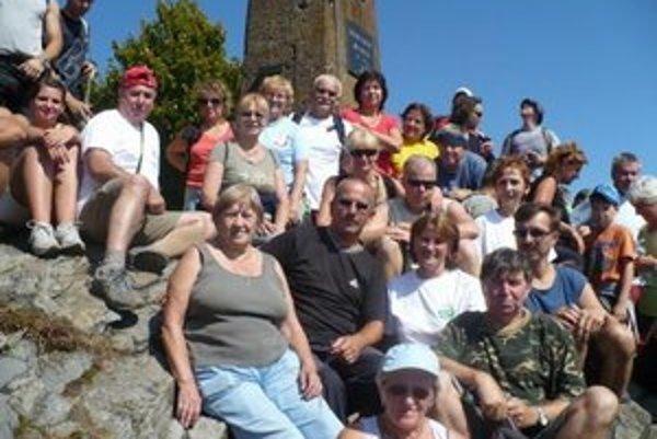 Turisti zo Strážskeho. Táto snímka je z výstupu na Vihorlat.