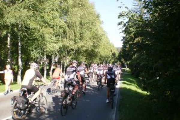 Cyklojarné kilometre. Rozbiehajú cykloturistickú sezónu.