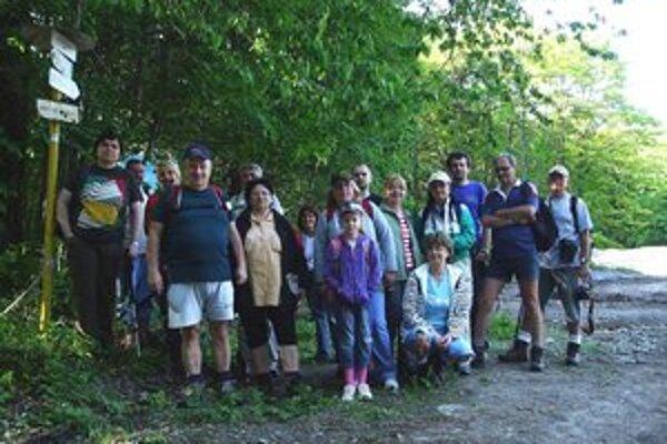 Výstup na Sadenec. Michalovskí turisti pozývajú všetkých vyznávačov pobytu v prírode na ďalšiu akciu.