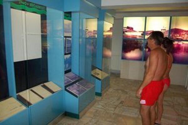 Múzeum na Šírave. Nachádza sa v rekreačnom stredisku Kamenec len 30 metrov od pláže.