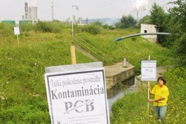 PCB látky. Slovensku sa ich nepodarilo zlikvidovať aj napriek veľkorysej medzinárodnej finančnej pomoci.