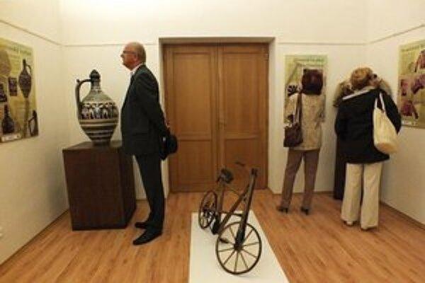 Výstava 5x5 je to najlepšie, čo Zemplínske múzeum v súčasnosti ponúka.