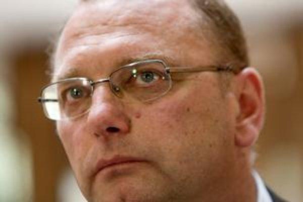 Ministerstvo Ľubomíra Vážneho má zaplatiť viac ako jeden a pol milióna eur.