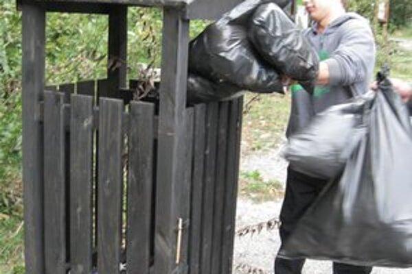 Záslužný čin. Žiaci vyzbierali v okolí Morského oka 20 kg odpadkov.