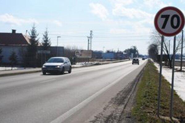 Už platí 70 km/h. Vodiči môžu jazdiť vyššou povolenou rýchlosťou aj na výjazde z Michaloviec smerom na mestskú časť Močarany.