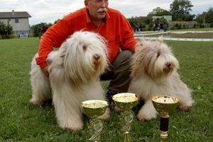 Raritný pár. Títo dvaja krásavci sú bearded kólie Dušana Pohla z Košíc. Vyhrali, čo sa dalo, vrátane titulu najkrajší pár.